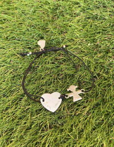 photo bracelet avec médaille coeur