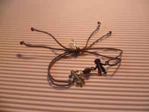 photo bracelet avec personnages