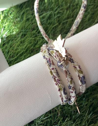 photo bracelet avec breloque gravée