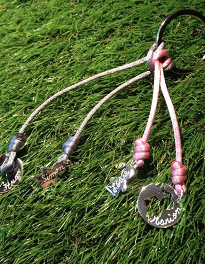 photo porte-clé cordon queue de rat rose avec pendentifs